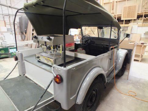 coffee-van-conversion-gorky-GAZ69-open
