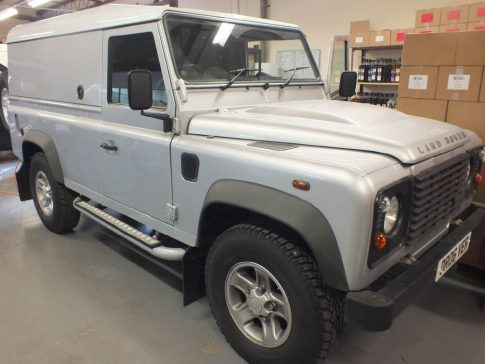coffee-van-conversion-land-rover-defender-silver