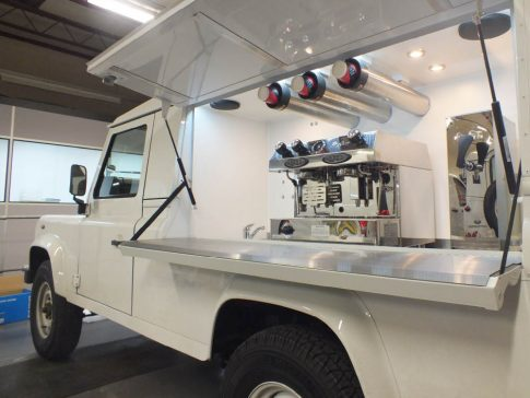coffee-van-conversion-land-rover-defender-white-side-openhatch