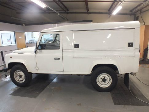 coffee-van-conversion-land-rover-white
