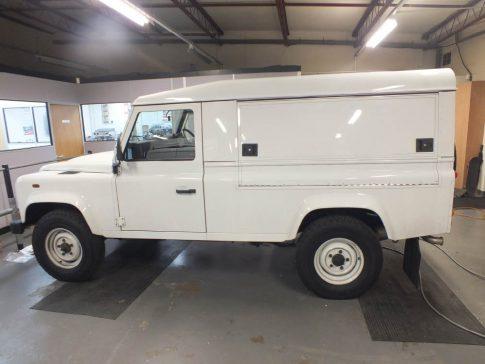 coffee-van-conversion-land-rover-white
